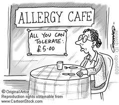 Reazione allergica al caffè di una signora seduta al bar